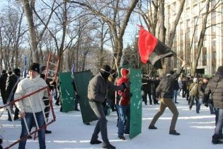Активісти закидають віце-прем'єру організацію заворушень під Дніпропетровською ОДА