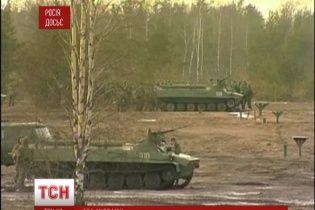 Російські військові маневри біля кордонів України стурбували НАТО