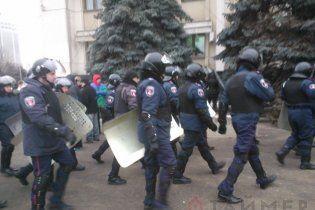 Близько тисячі протестувальників Євромайдану в Одесі пішли до ОДА