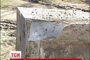 На Київщині пам'ятник Леніну стояв на надгробних плитах польських меценатів
