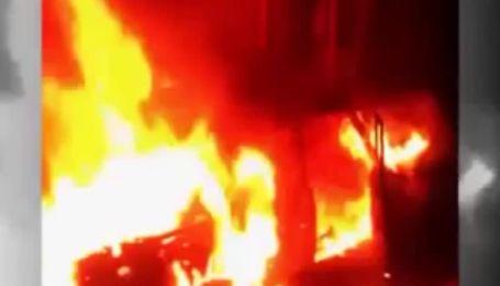 В Махачкале ресторан в торговом центре расстреляли из гранатомета
