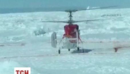 В Антарктиці почали порятунок людей з заблокованого у кризі судна