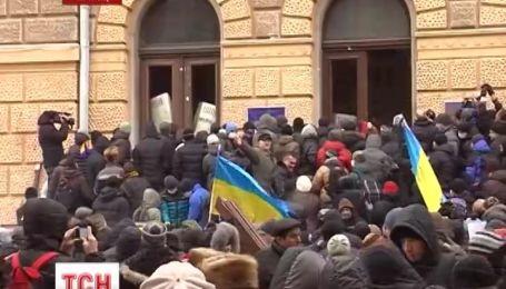 Черкасский протест из-под стен облгосадминистрации переместился в областную прокуратуру