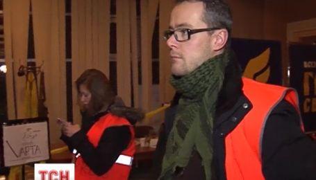 Польских журналистов Юрия Высоцкого и Сергея Марчука избили и задержали правоохранители