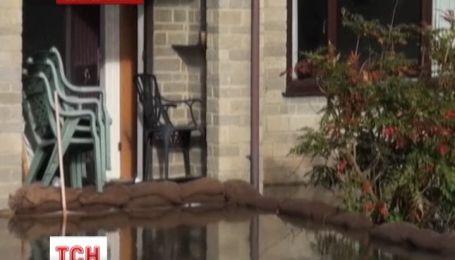 Великобритания просит помощи у международных экспертов по наводнениям
