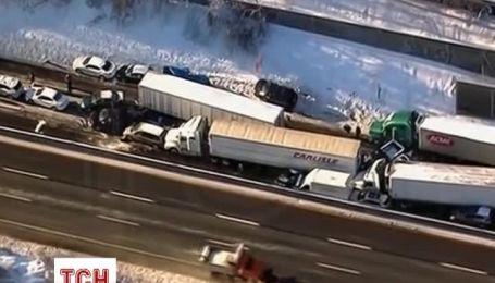 Снег и гололедица в Пенсильвании стали причиной столкновения почти сотни автомобилей