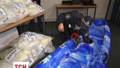 В Австралію доставили байдарки, нашпиговані наркотиками на $ 165 млн