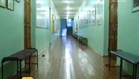 """Директора бучанської школи можуть звільнити за """"дошку ганьби"""""""