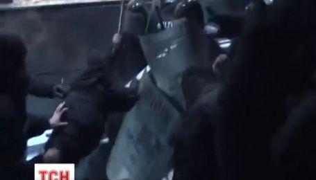 У Черкасах під час штурму обласної адміністрації  тяжко травмована  20-річна студентка
