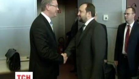 На переговорах у Брюсселі вмовили ЄС дати згоду на асоціацію та надання позик