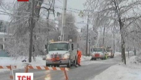 Крижаний дощ та снігові бурі вразили значну частину території Канади та США