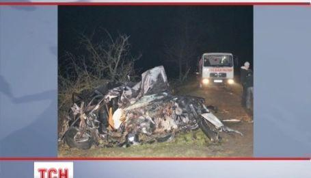 14-річна дівчина та 26-річний хлопець загинули в аварії на Закарпатті