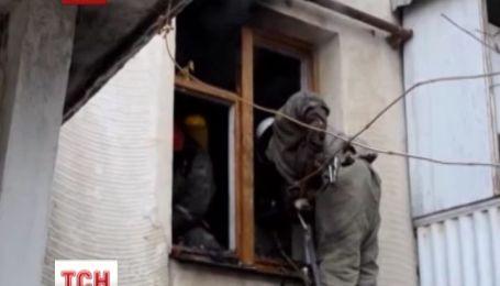 В Севастополе едва не сгорела полностью забитая мусором квартира