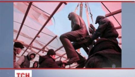 Памятник Валерию Лобановскому сменил место