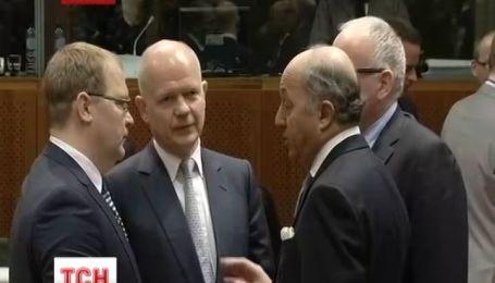 """Міністри Європи узгодили """"чорний"""" список людей, до яких застосують санкції"""
