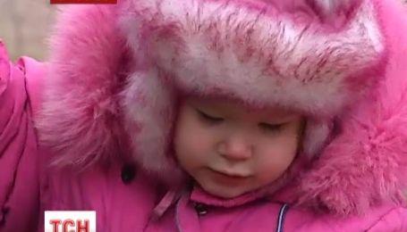 У Криму дворічна дитина потрапила до лікарні через вибух петард