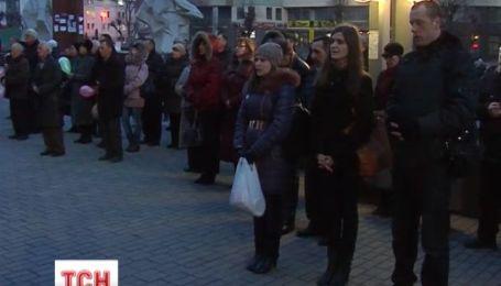 """На Прикарпатье """"Правый сектор"""" сообщил о непричастности к мародерству"""