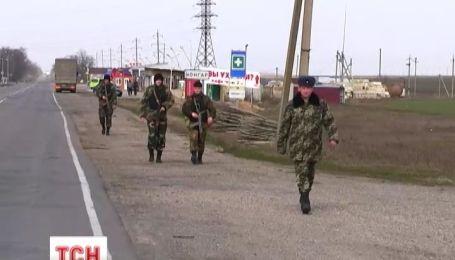 Пограничники остаются в Крыму даже после изгнания из квартир