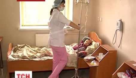 В Ивано-Франковске 9 человек после празднования в ресторане попали с отравлением в больницу