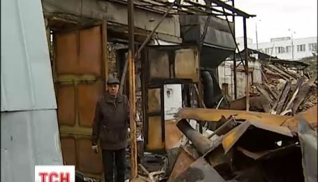 В столице выгорело полторы тысячи квадратных метров промышленной зоны