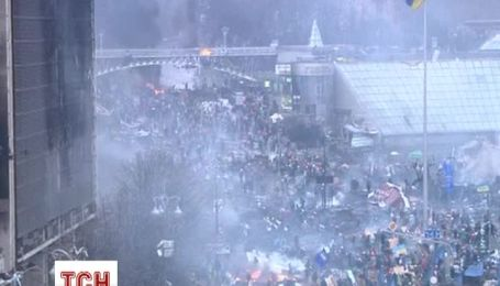 Майданівці беруть в полон силовиків