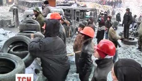 На Майдані залишаються кілька тисяч людей