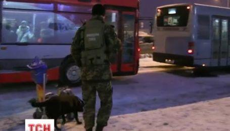 Як декілька правоохоронців борються з замінуванням цілого Києва