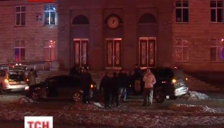Правоохранители отстояли админздание в Черкассах