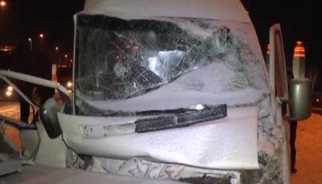 9 человек травмированы во время аварии маршрутки с фурой