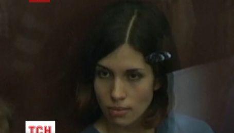 Одна из участниц российской панк-группы Pussy Riot вышла на свободу