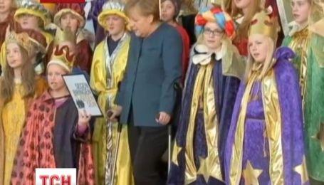 Меркель заради дітей оговталася від травми