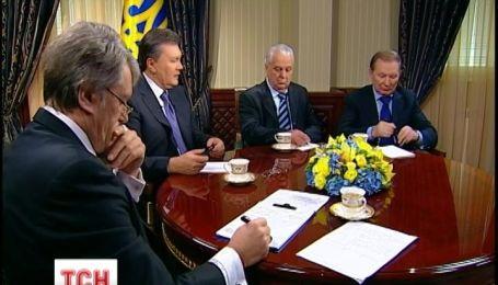Президенты обсудили пути выхода страны из политического кризиса