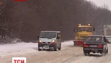 Сильні морози та заметілі панують по всій території України