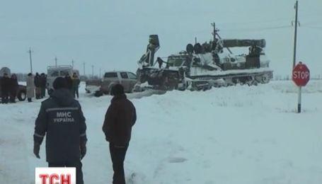 В Одессе до сих пор из снежного плена вытаскивают машины