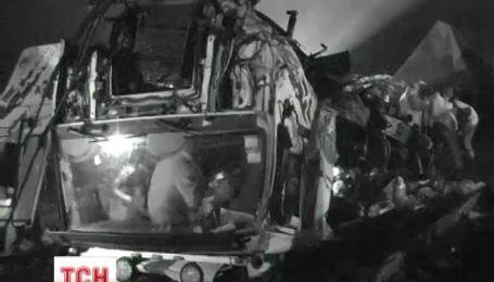 Біля Первомайську потяг вщент розтрощив вантажівку