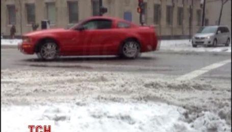 Чикаго через сильні снігопади, вітер і морози стає схожим на Сибір