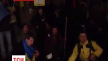 Пикеты прошли возле украинского консульства в Канаде и посольства Украины в Лондоне
