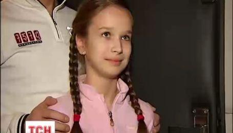 Автомайдановцы пикетировали квартиру 10-летней Саши