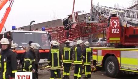 В Германии на супермаркет обрушился строительный кран
