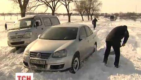 В Одесской области из снежного плена освободили 150 человек
