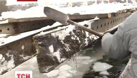 На Вінниччині розвалився понтонний міст не  витримавши «великого» снігу