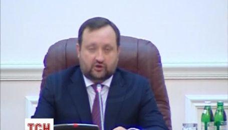 Арбузов призвал правительство к стимулирующим мерам