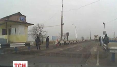 Вооруженные мужчины захватили блокпост ГАИ в Крыму