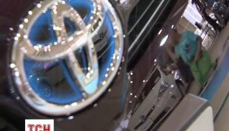 Toyota отзывает 1,9 млн автомобилей Prius по всему миру из-за ошибок в ПО