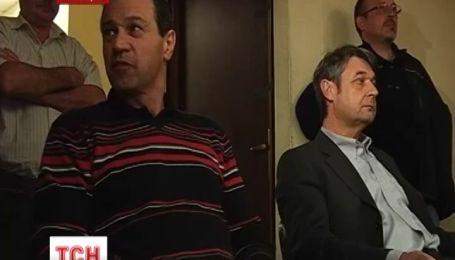 Рабочие французского завода взяли в заложники главных менеджеров компании