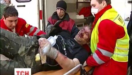 В противостоянии погибли 7 митингующих и 4 милиционера