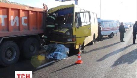 В аварии во Львове пострадали девять пассажиров