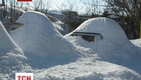 Япония страдает от крупнейшего снегопада за последние 120 лет