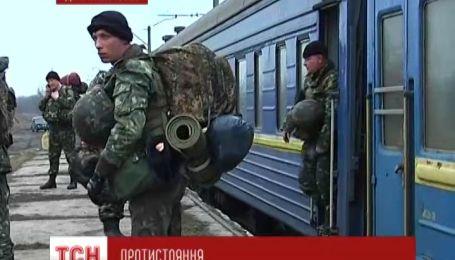 Днепропетровские десантники прорвали осаду и двинулись на Киев