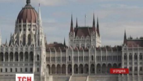 Угорщина закликає ЄС скасувати візи для українців